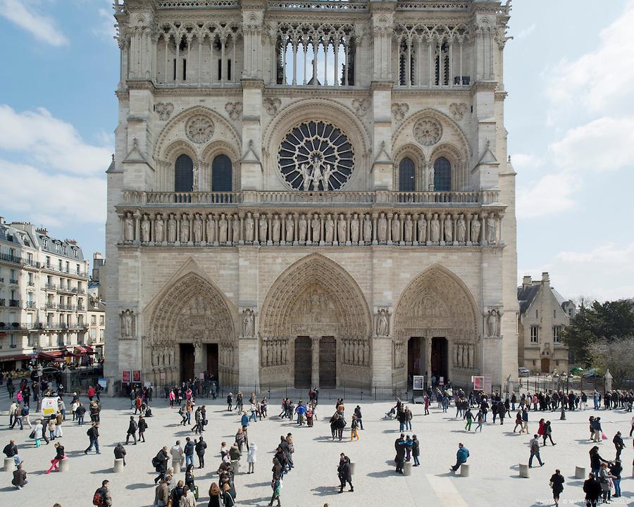 Parvis de la Cathédrale Notre Dame de Paris. Paris, 2013.