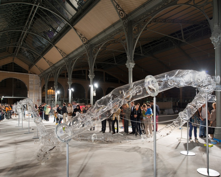 Nuit Blanche 2013.  Huang Yong Ping - Ceinture, 2013 (Carreau du
