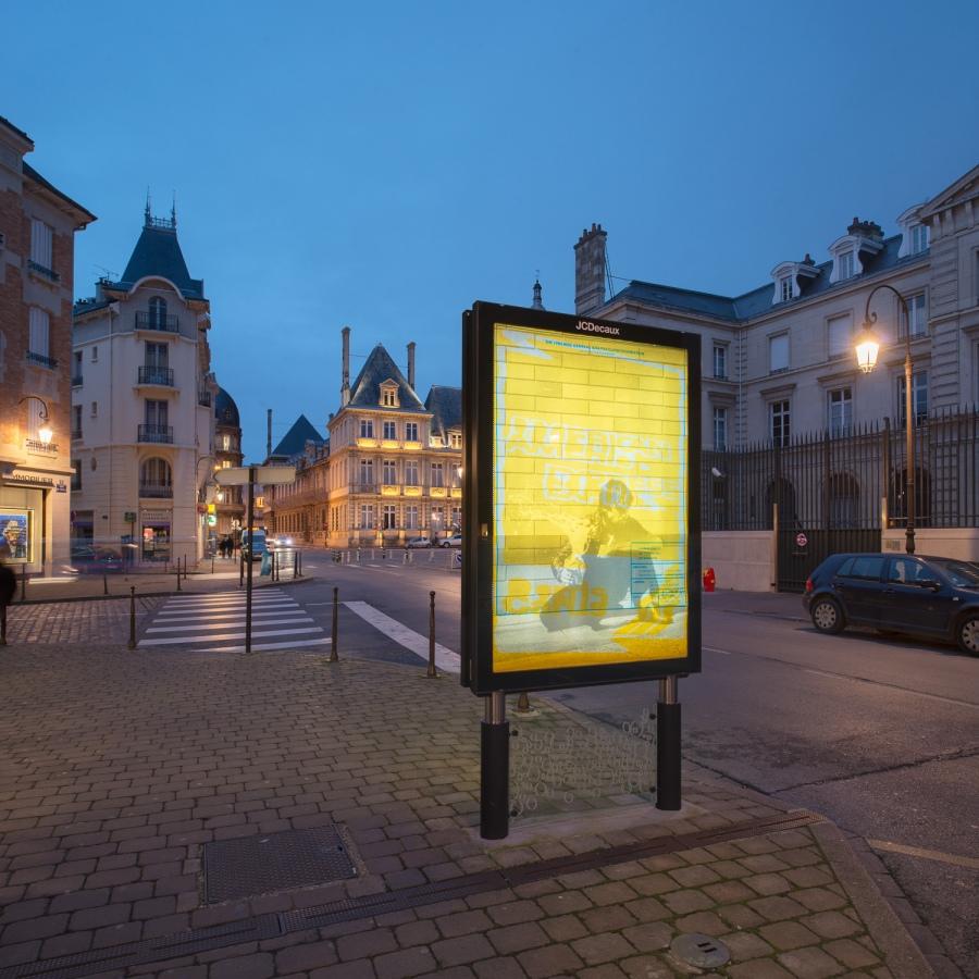 Affiches de Gavillet & Rust dans les espaces publics de la ville de Reims - Frac Champagne Ardenne